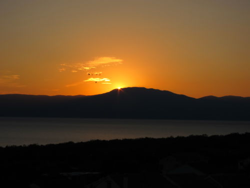 Yachtcharter Istrien ? Kvarner: Sonnenuntergang �ber dem U?ka-Gebirgsmassiv