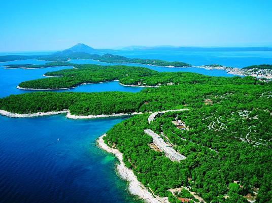 Yachtcharter Istrien ? Kvarner: Blick auf die wundersch�ne Insel Losinj