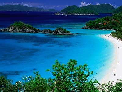 Charter Kleine Antillen: Die British Virgin Islands umfassen mehr als 130 kleine Inseln