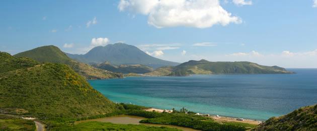 Charter Kleine Antillen: Blick auf die ursprüngliche Insel Nevis