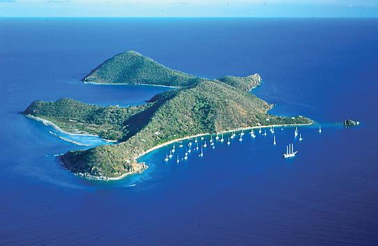 Bootscharter Kleine Antillen: Die Kleinen Antillen sind ein traumhaft schönes Segelrevier