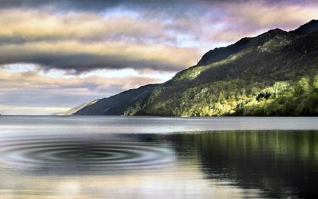 Charter Schottland: Der Legende nach ist Loch Ness die Heimat des berühmten Seemonsters Nessy