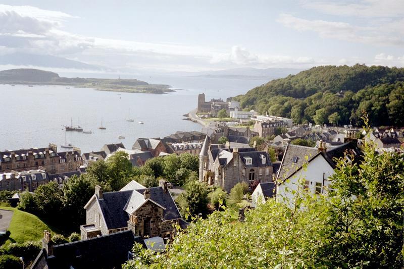 Yachtcharter Schottland: Oban eignet sich hervorragend als Charterbasis