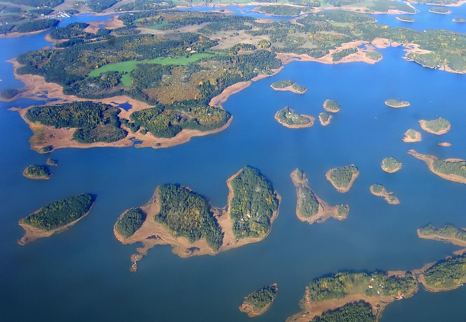 Charter Schweden: Unmittelbar vor Stockholm liegen die Schärengarten