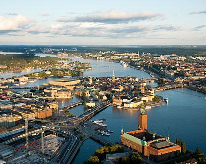 """Yachtcharter Schweden: Stockholm wird treffend auch als """"Venedig des Nordens"""" bezeichnet"""