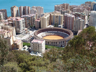 Bootscharter Spanische Küste: Blick auf die spanische Stadt Malaga