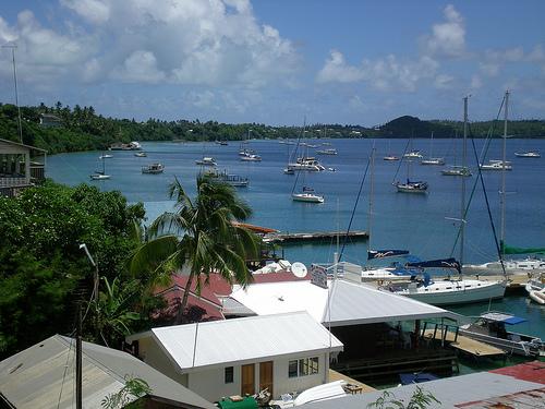 Charter Tonga: Auf Tonga gibt es kaum eine nennenswerte Infrastruktur